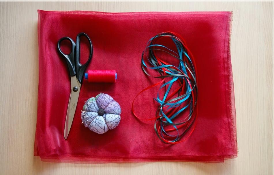 Вот что нужно для создания упаковки для конфет из органзы
