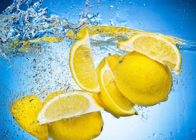 Кислый лимончик избавит от тошноты