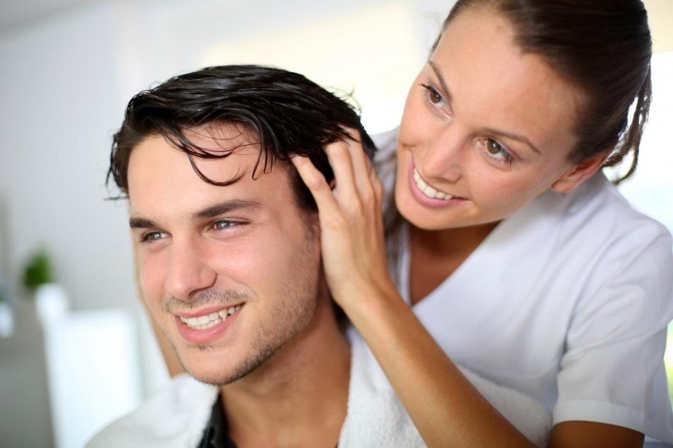 Почему выпадают волосы у мужчин?