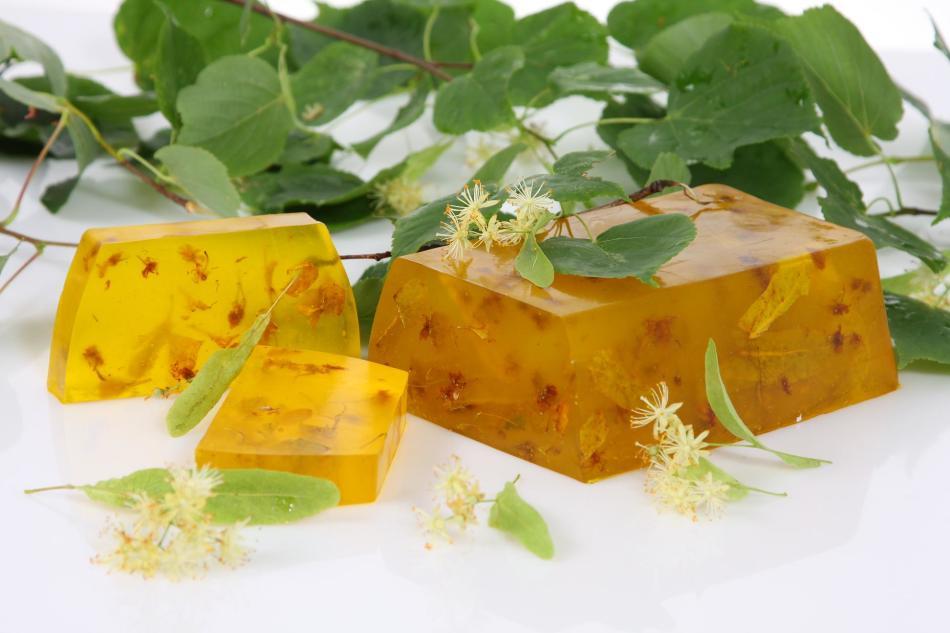 Желтое мыло с медом из прозрачной основы