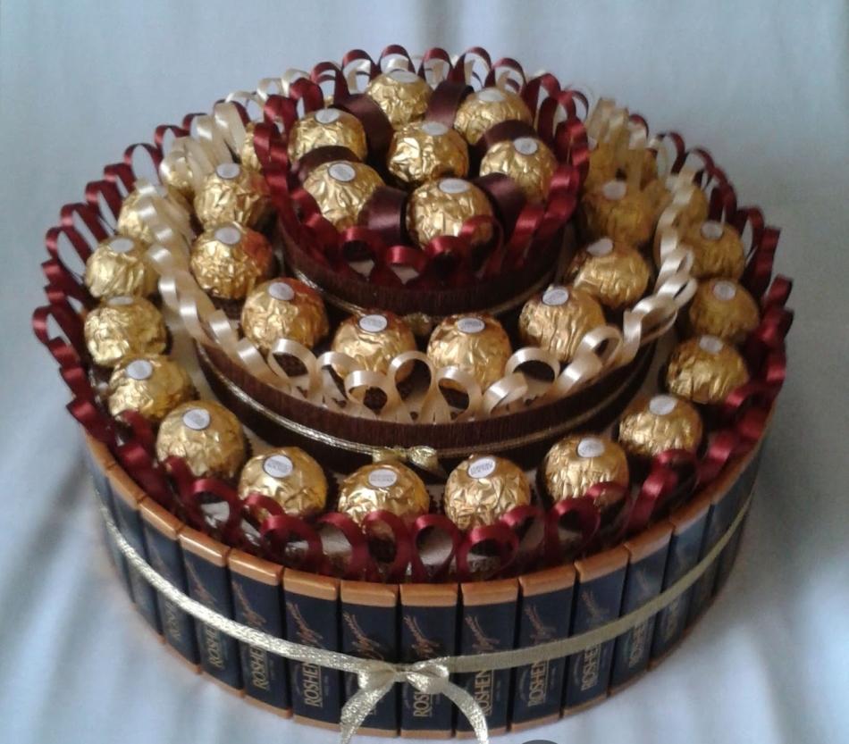 Тортики из конфет картинки