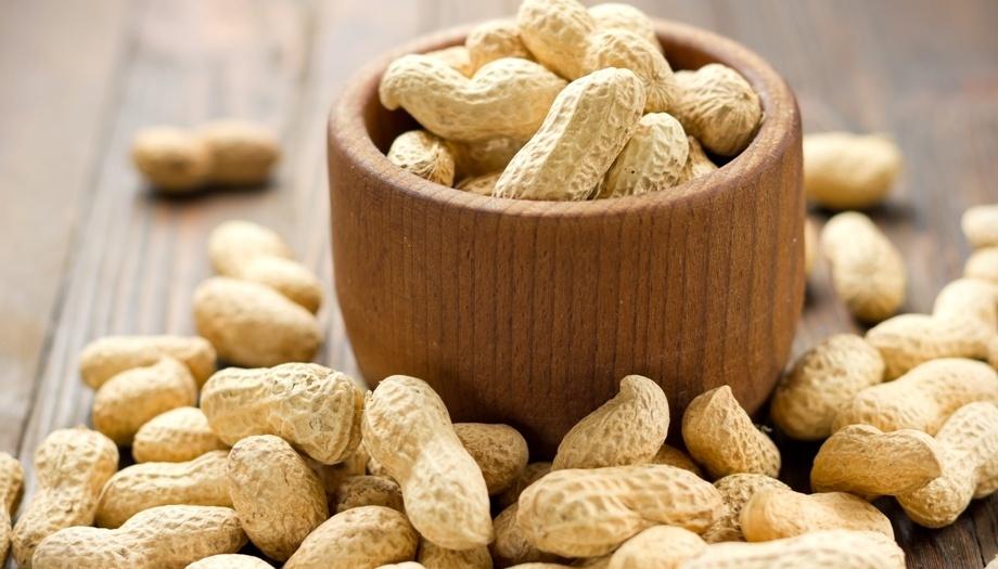 Арахис богат липидами, состоящими из ненасытных жирных кислот