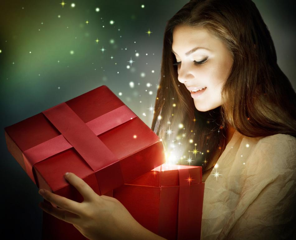 Получать подарки во сне, предвещает радостное событие, исполнение желаний.