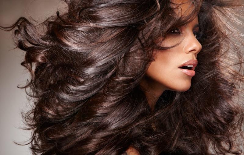 Шоколадный оттенок волос с помощью натуральных красителей