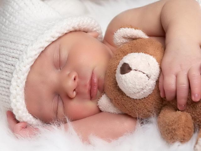Сонник — видеть во сне младенца. К чему снится кормить, целовать ...