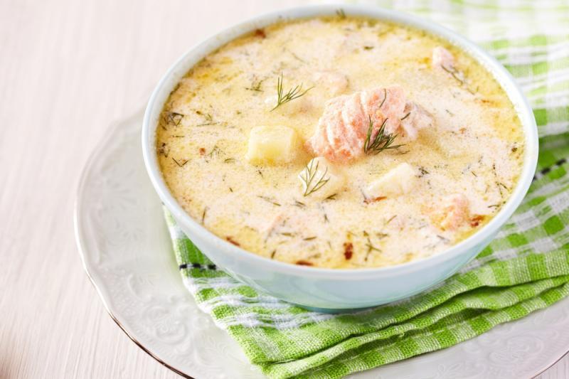 97dd8847be0450bf7e4c7d33f31c94d0 Рыбный суп: вкусные рецепты из хека, семги, скумбрии, форели, сайры. Рецепт вкусного рыбного супа с томатами, пшеном, сливками, плавленным сыром