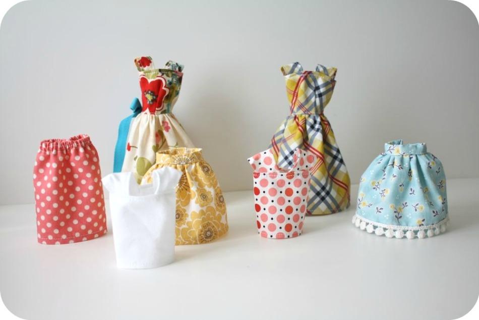 naryadi-dlya-barbi-sshitie-svoimi-rukami Как сшить одежду для куклы Барби и Монстер Хай своими руками: выкройки, схемы, фото. Как сшить карнавальный костюм для куклы Барби и Монстер Хай своими руками?