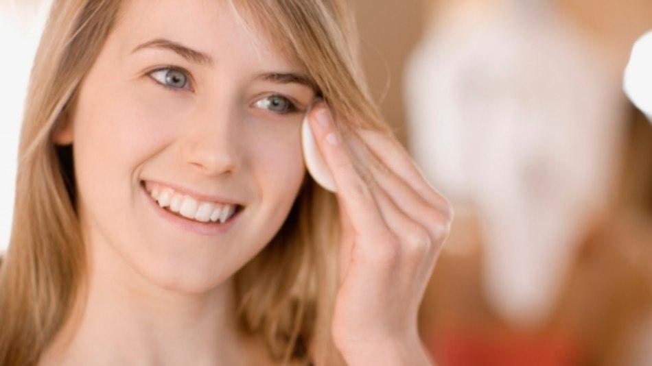 Чистотел при кожных заболеваниях: особенности и области применения