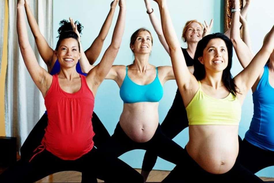 почему беременным нельзя класть руки на живот