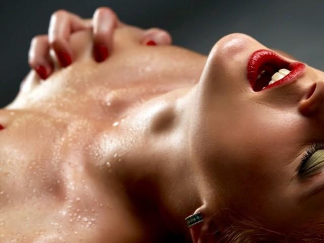 Массаж эротический точки джи миндальное масло при эротическом массаже