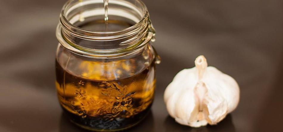 Как принимать настойку из чеснока от глистов?