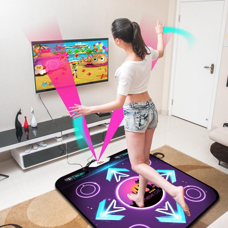 Танцевальный коврик - веселый и полезный подарок для девушки