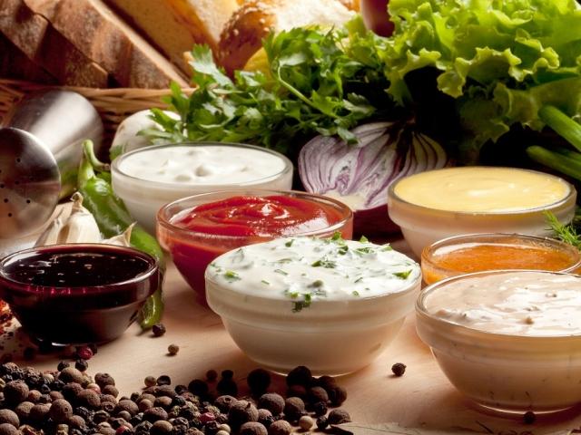как приготовить сметанный соус с зеленью к макаронам