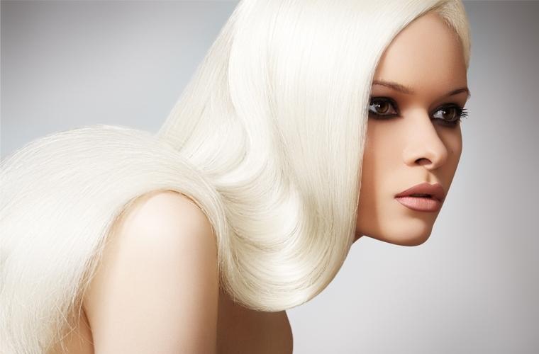 Полностью белые волосы - блондирование