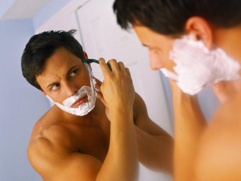 Кожу перед бритьем необходимо подготовить, а после него - увлажнить