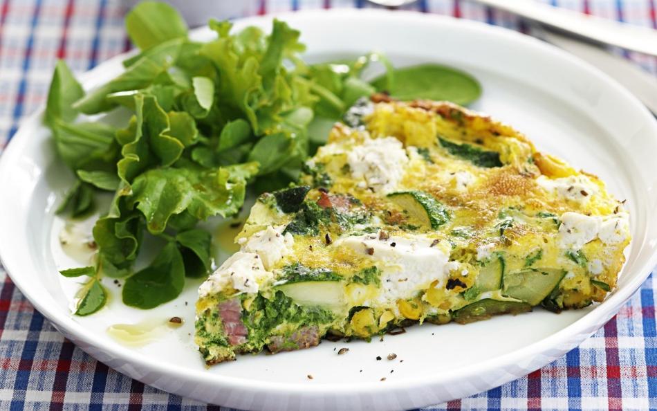 Омлет с кабачками и сыром - хорошая идея завтрака для школьника