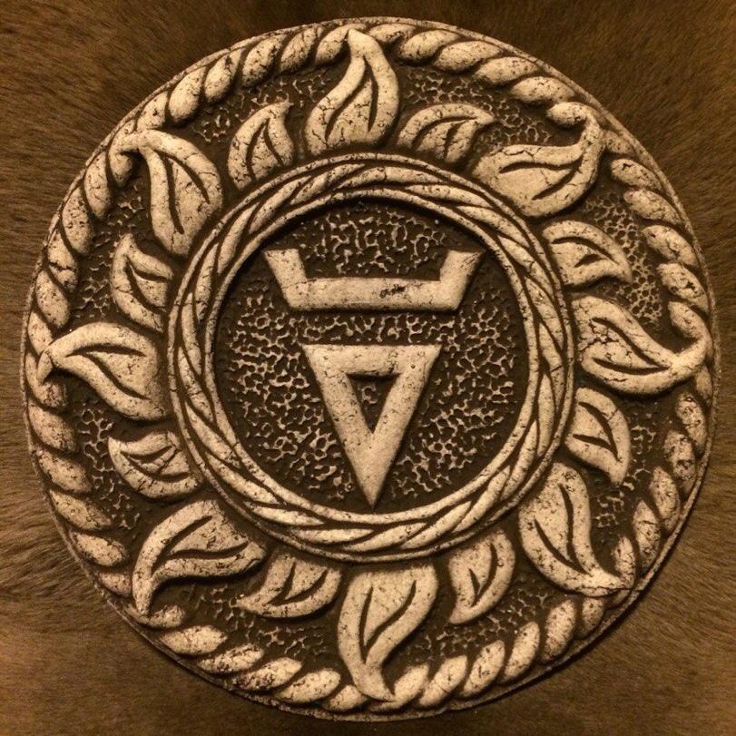 Такой символ бога велеса можно изобразить в виде тату-оберега