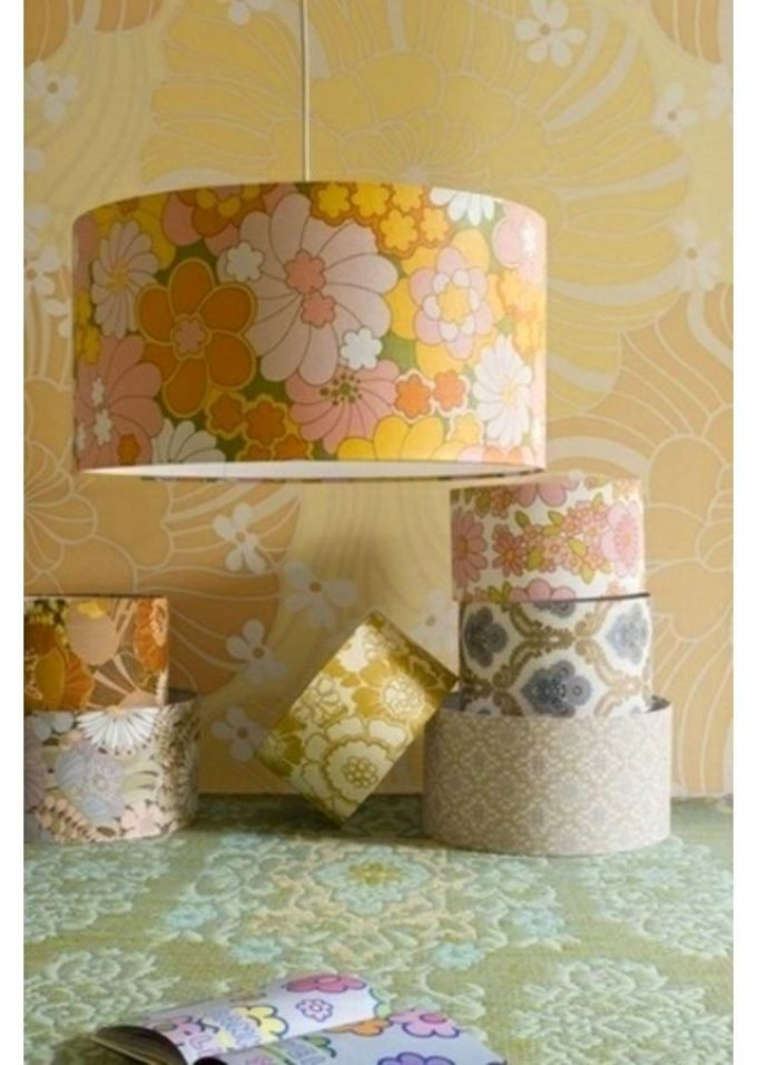 dekupazh-svetilnika-oboyami Декупаж мебели фото до и после.Техника декупажа мастер класс. Декупаж мебели для начинающих, пошагово, салфетками, тканью, обоями, красками, в стиле прованс. Все для декупажа с Алиэкспресс