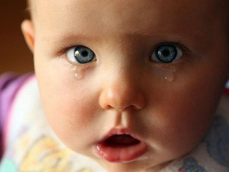 Частое моргание - нервный тик у ребенка