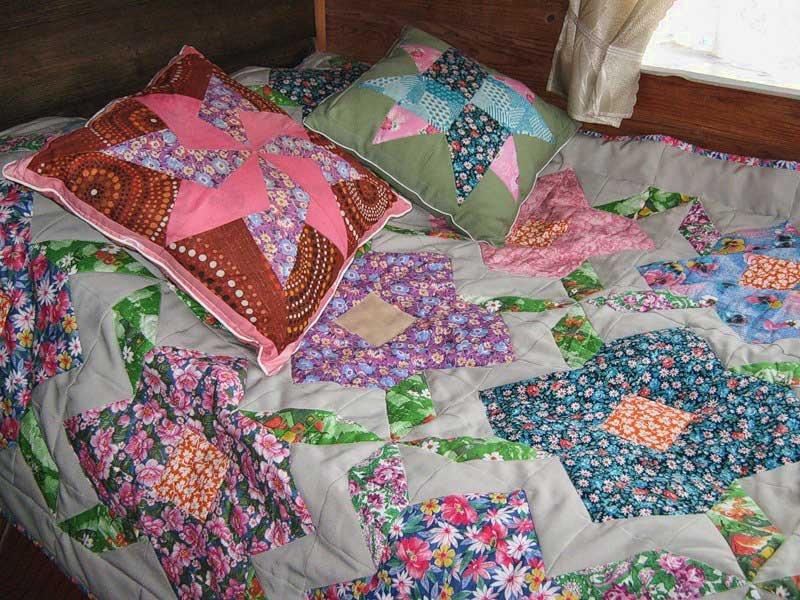a1b972f048c7f4cf64aae6344e9ffa12 Мастер-класс: Шьем лоскутное одеяло в стиле пэчворк
