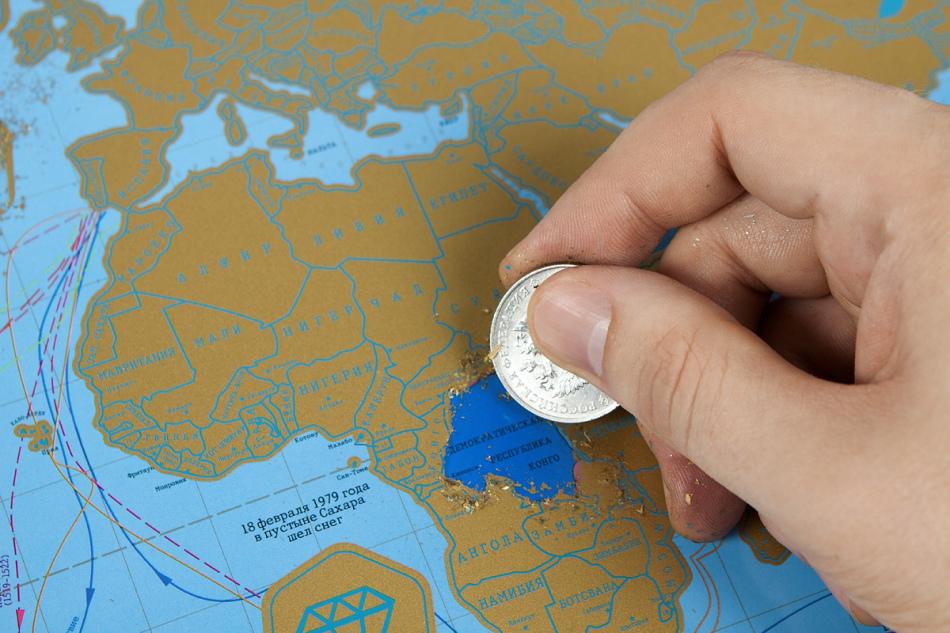 Скретч-карта - лучший подарок для девушек-путешественниц