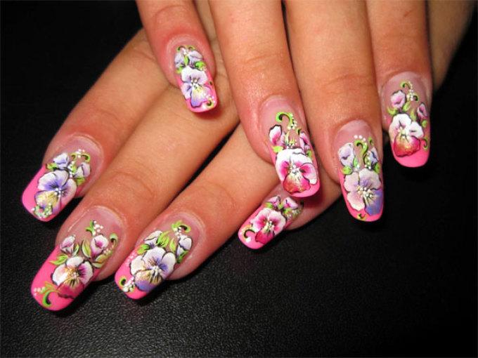 Яркие летние рисунки на ногтях - полевые цветы