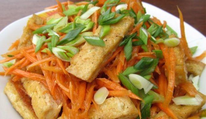 Салат из корейской морковки и тофу