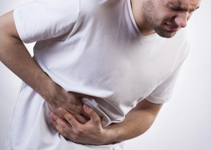 При сильной и длительной боли необходимо срочно обратиться в больницу