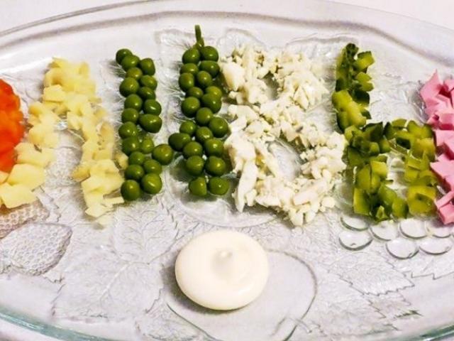 классический рецепт салат с кальмарами