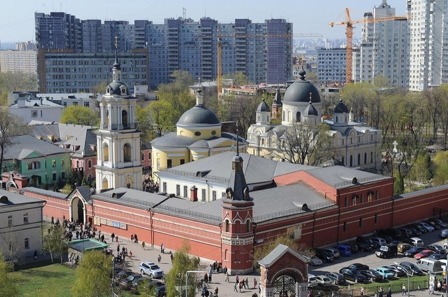 Фото покровского женского монастыря в москве, на территории которого в храме покоятся мощи святой матроны