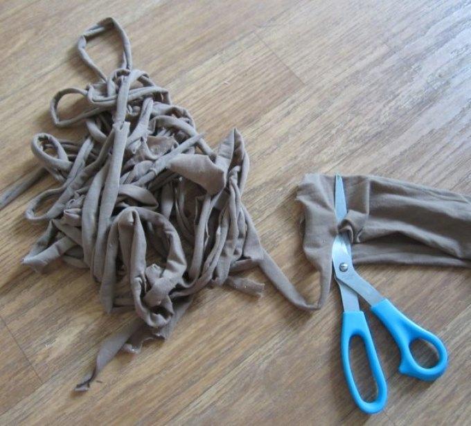 kolgotki-razrezannie-po-spirali Куклы из колготок своими руками пошаговая инструкция