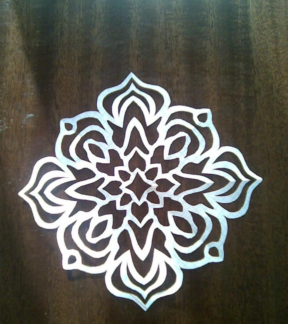 krasivie-snezhinki-iz-bumagi-foto-5 Как крючком связать красивую снежинку? Снежинки крючком: узор, схемы с описанием для начинающих