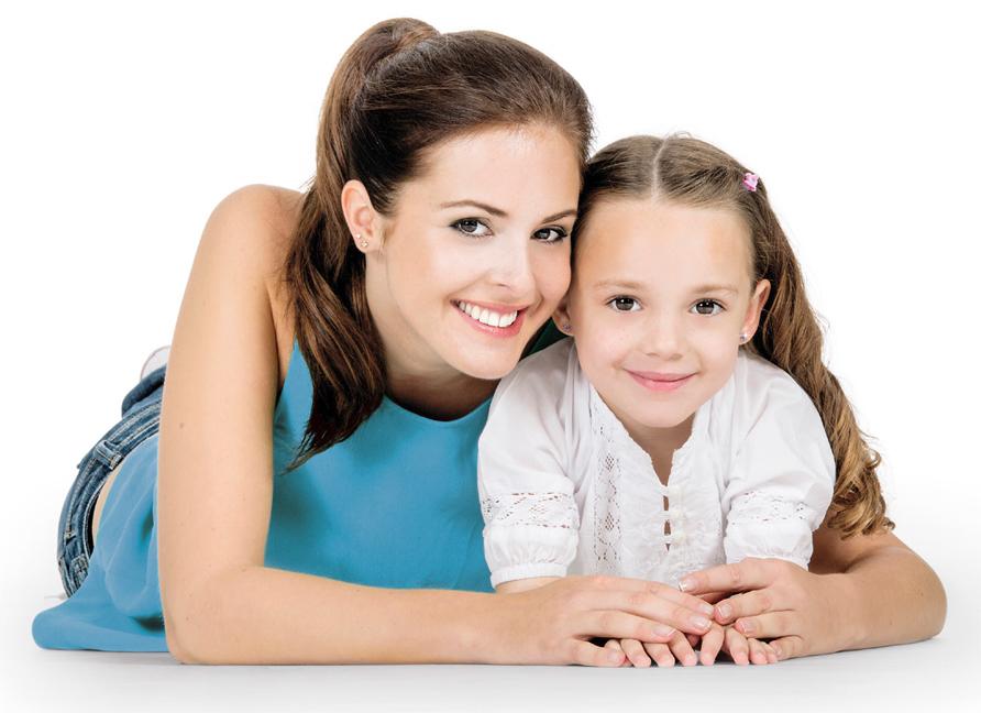 Мама с дочкой с сережками