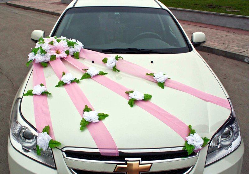 как украшают машины на свадьбу фото