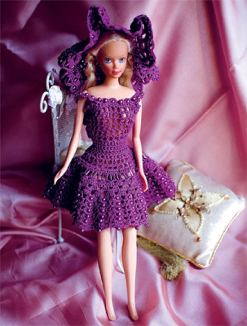 shapochka-viglyadit-takim-obrazom Одежда для куклы Барби и Монстер Хай крючком и спицами: схемы с описанием, фото. Как связать платье для куклы Барби и Монстер Хай крючком для начинающих?