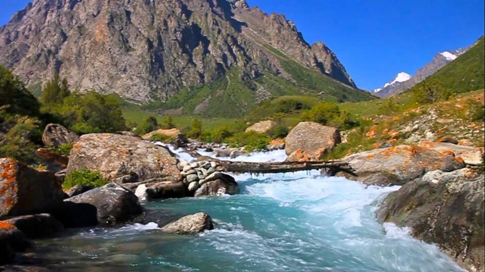 Чистая красивая река во сне - хороший знак.