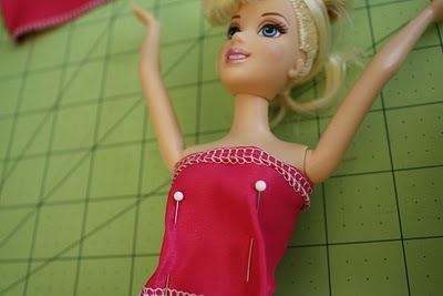 vechernee-plate-dlya-barbi-shag-6 Как сшить одежду для куклы Барби и Монстер Хай своими руками: выкройки, схемы, фото. Как сшить карнавальный костюм для куклы Барби и Монстер Хай своими руками?