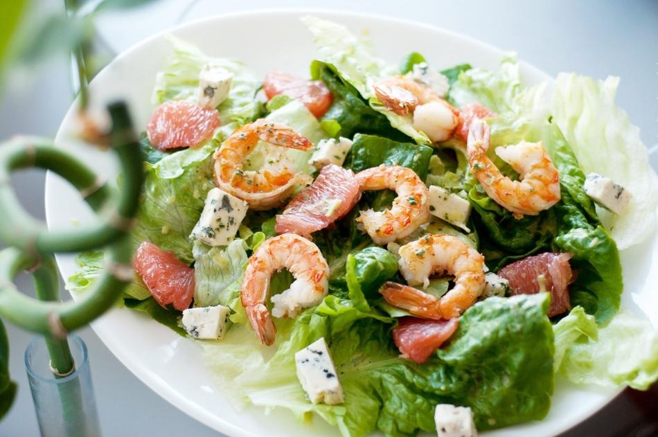 Слоеный креветочный салат