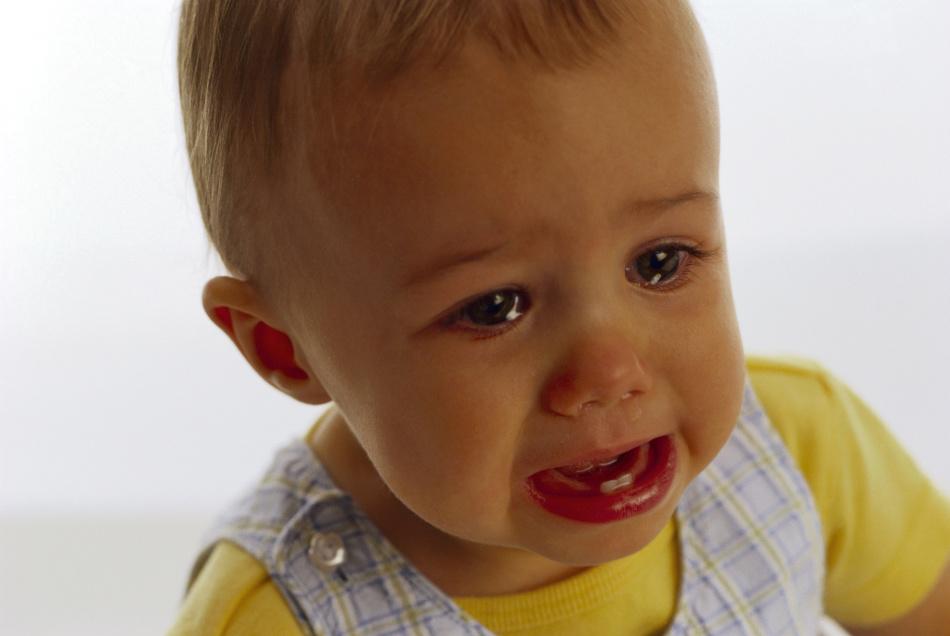 Почему малыш плачет перед тем, как пописать?