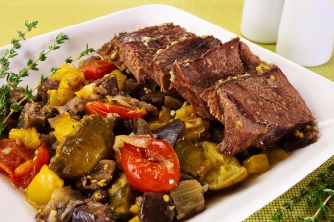 Запеченные овощи с телятиной