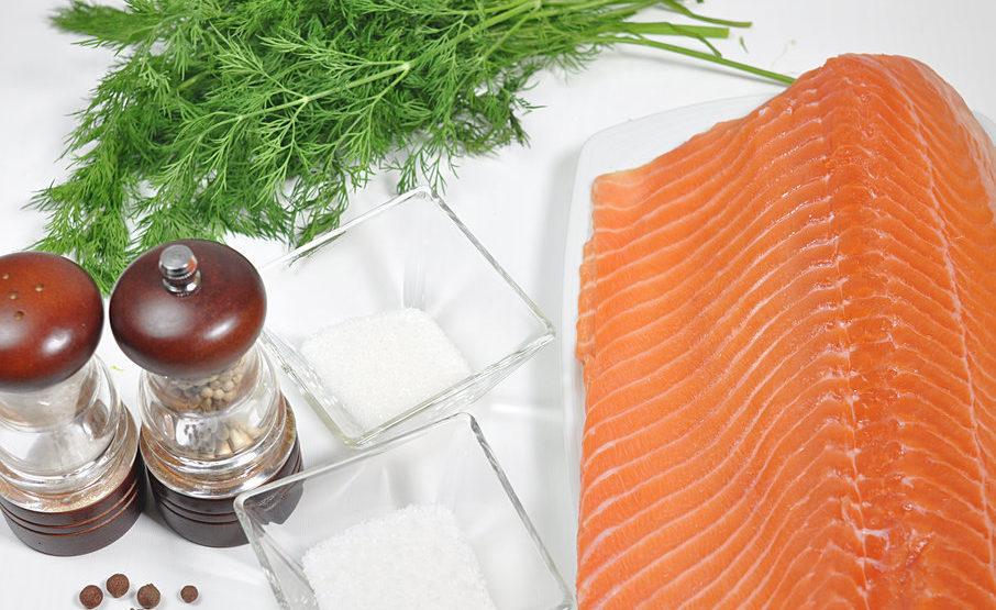 Правила засолки лосося со специями