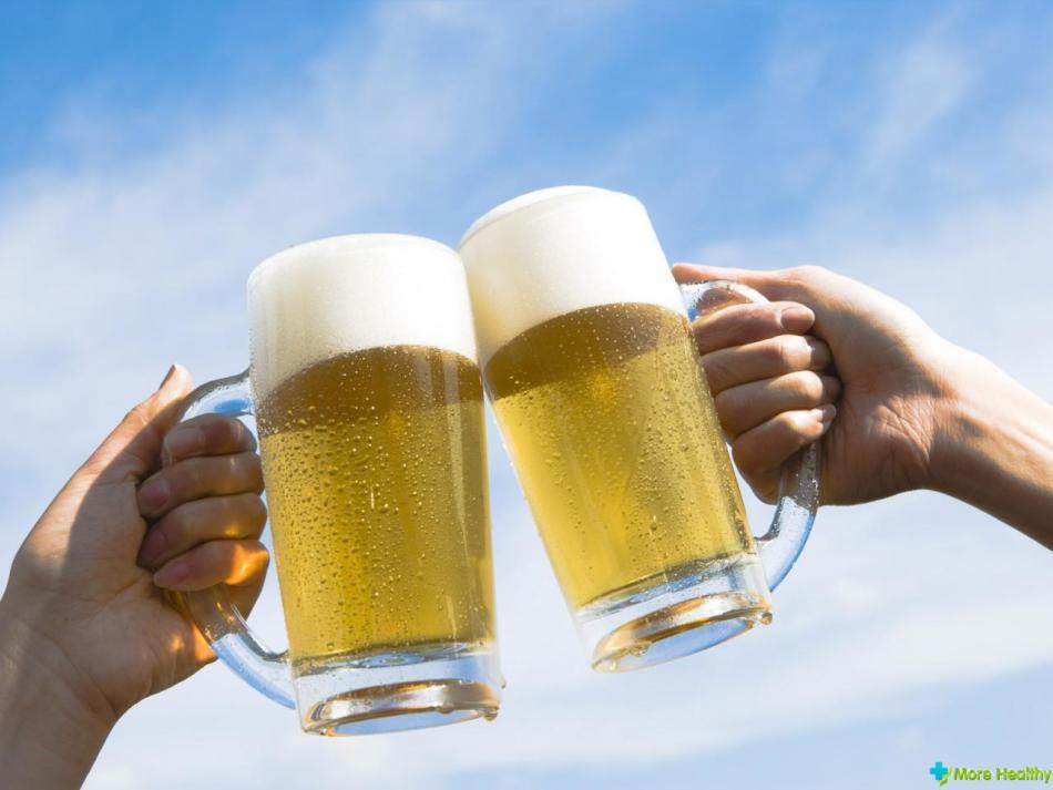 Безалкогольное пиво пьют ценители хмельного, которым нельзя спиртное.
