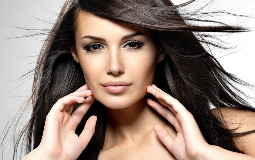 Смешиваем краску для получения темно-коричневых волос
