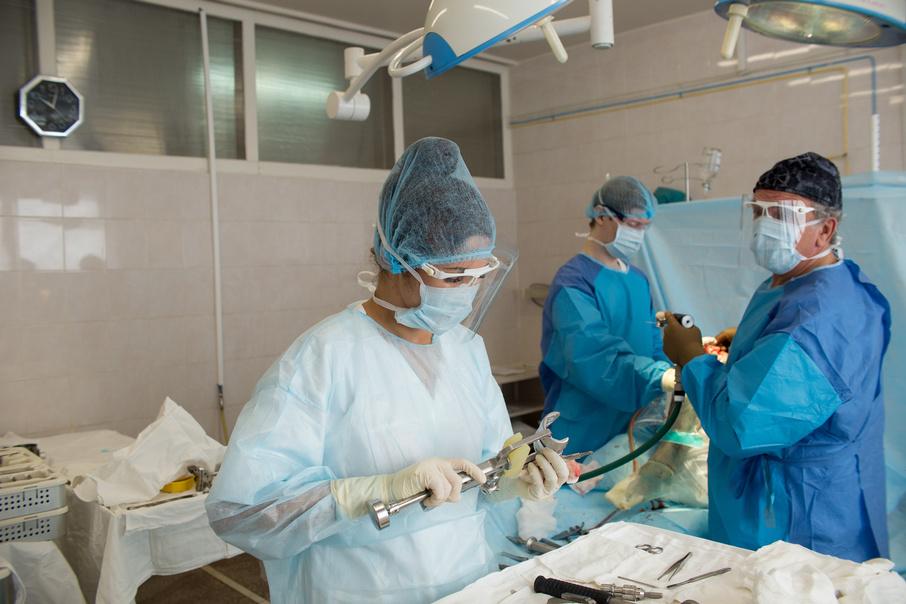 В процессе операции