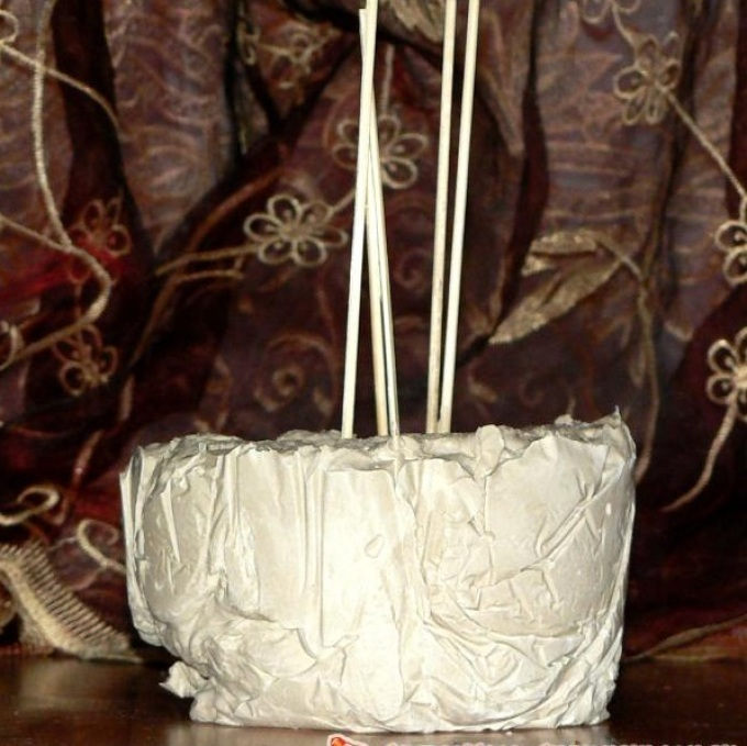 vot-tak-dolzhen-viglyadet-gipsovii-postamet-dlya-sovi-iz-polimernoi-glini Изделия, поделки из полимерной глины: мастер класс для начинающих своими руками