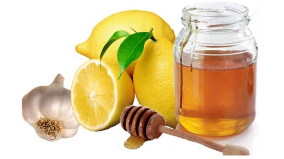 Смесь из меда, чеснока и лимона можно не всем.