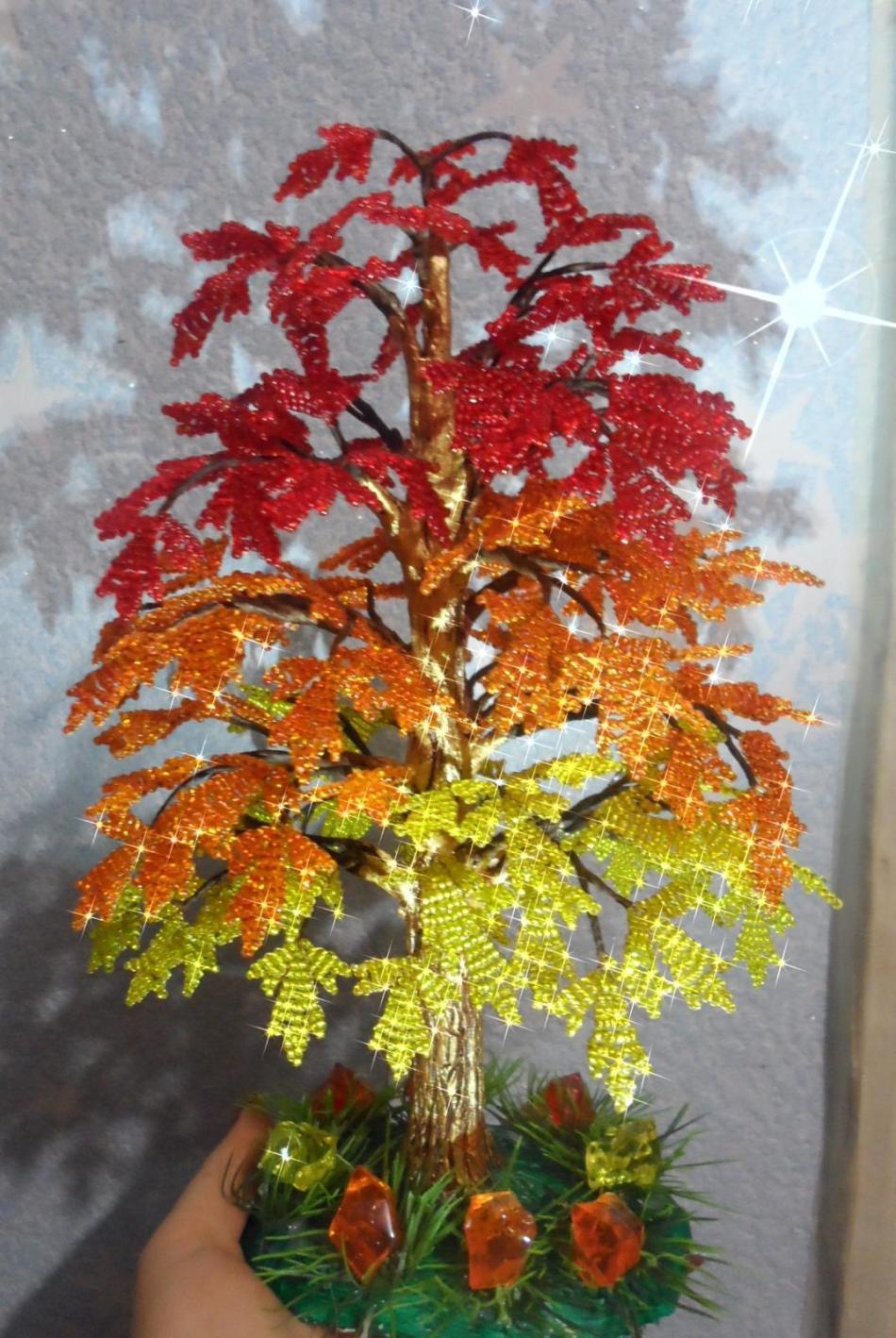 klen-iz-bisera Золотое дерево из бисера своими руками. Пошагово