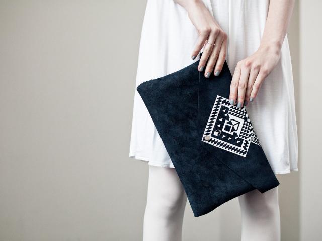 716a3df55a56 Как купить красивый модный женский клатч кожаный, замшевый, лаковый, на  цепочке, со стразами в интернет магазине Алиэкспресс   Aliexpress