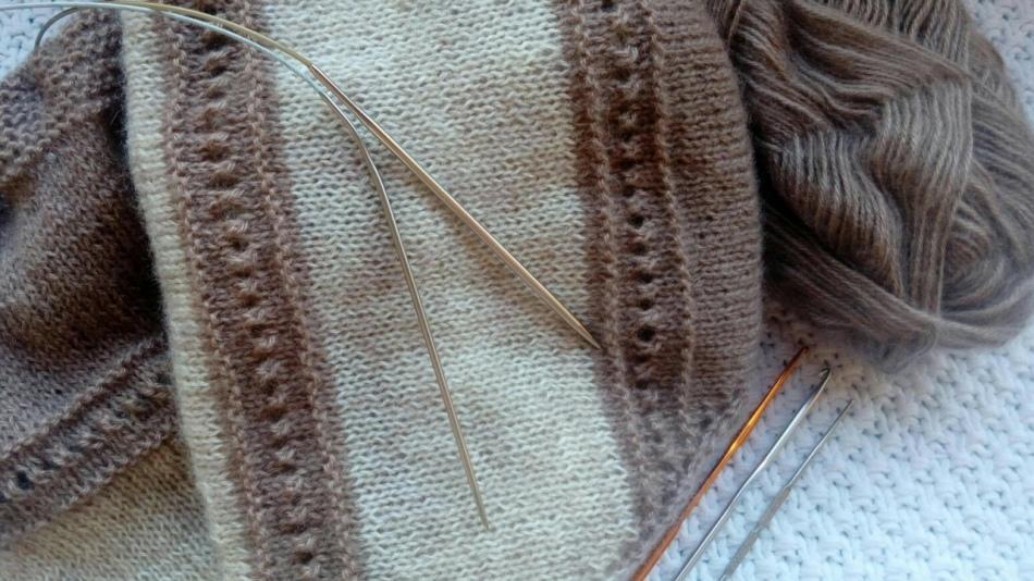 vyazanie-platka Спицами вязание косынок. Как связать косынку спицами: стильный предмет гардероба без лишних усилий