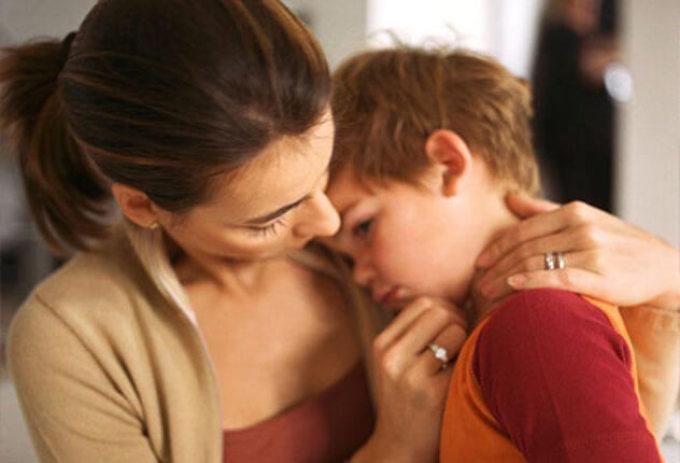 Больному ребенку трудно дышать